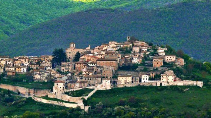 Monteleone di Spoleto umbria moto itinerario