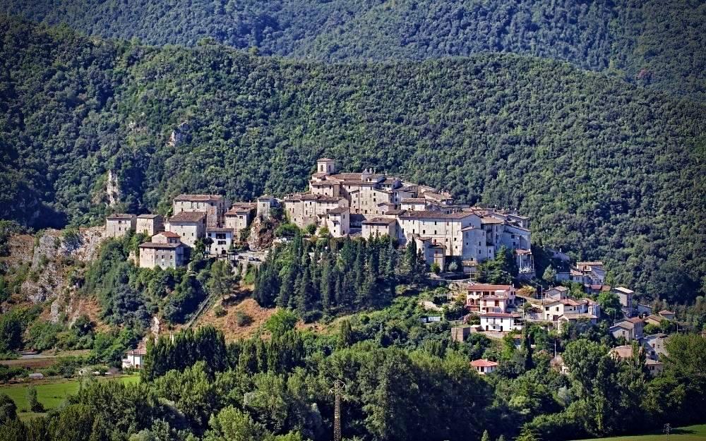 Arrone - Umbria moto itinerari strade percorse giro borghi