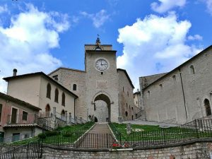 Monteleone valnerina umbria moto italia borghi