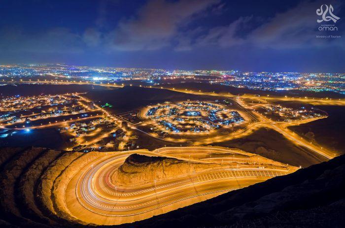 oman city road night view