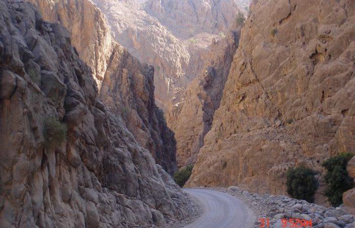 unpaved road oman
