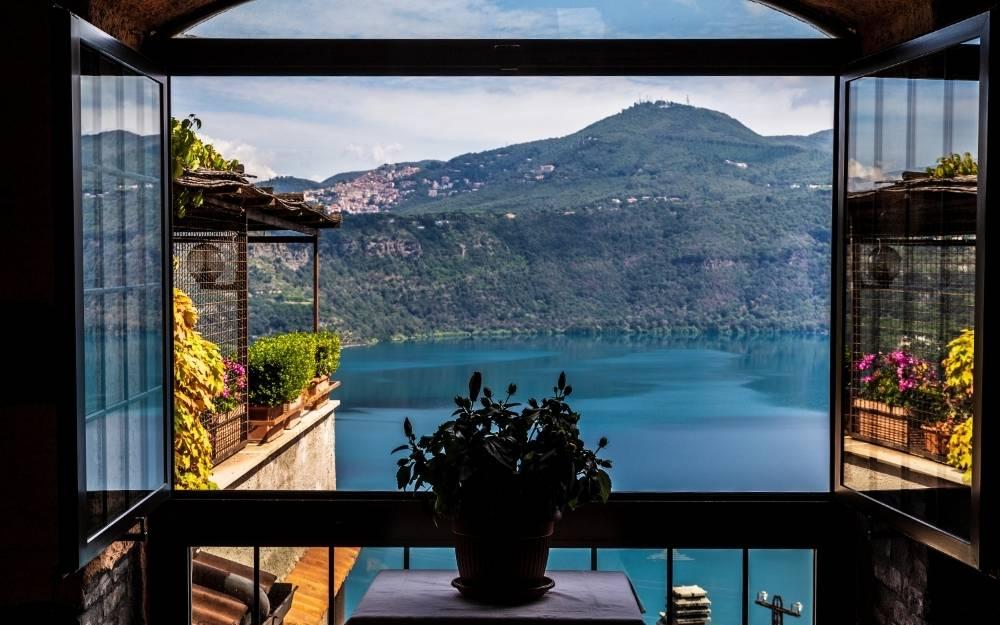 Lago di Albano - Camera con vista (Ph. Canva) moto vicino roma lazio itinerari