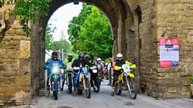 queen trophy bevagna umbria adventouring mototurismo fmi