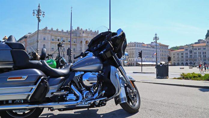 trieste harley piazza unita italia moto