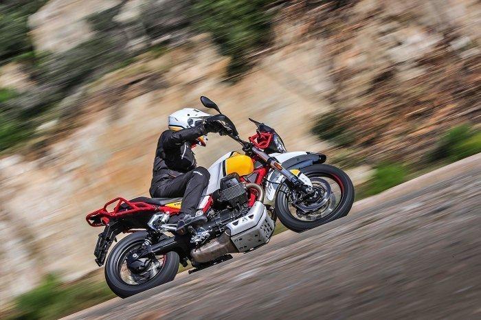 moto guzzi v85tt experience trentino 2019 test review opinione
