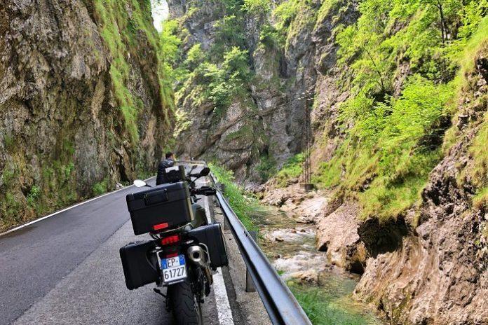 Orrido della Val Taleggio - Itinerari in moto della Lombardia