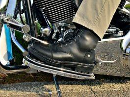 Abbigliamento e Caschi · Moto Excape