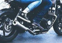 Le migliori scarpe e sneakers da moto