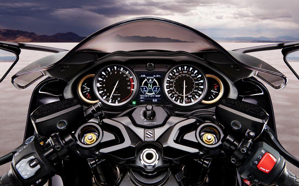 Suzuki - Nuova Hayabusa test prova recensione