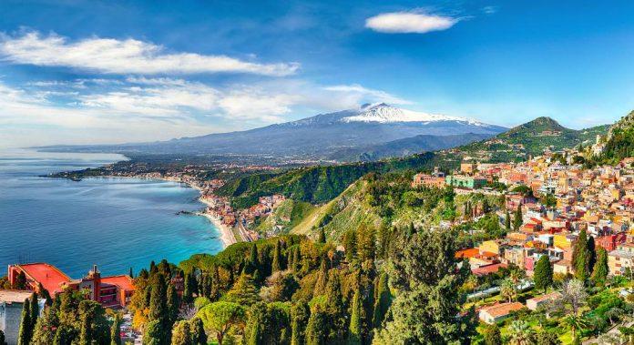Sicilia in moto bici Taormina Etna Di Vadym Lavra