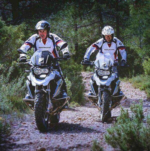 bikers adventure touring bmw pubblicità moto excape