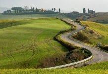 Chianti e Crete senesi itinerario toscana strada caberg levo bmw