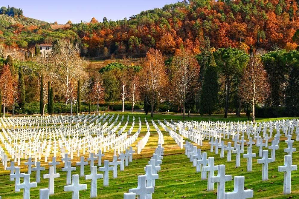 Cimitero Americano di Firenze Chianti itinerario toscana strada caberg levo bmw