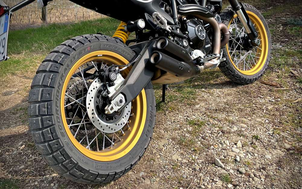 Ducati Scrambler Desert Sled 2021 test prova recensione review