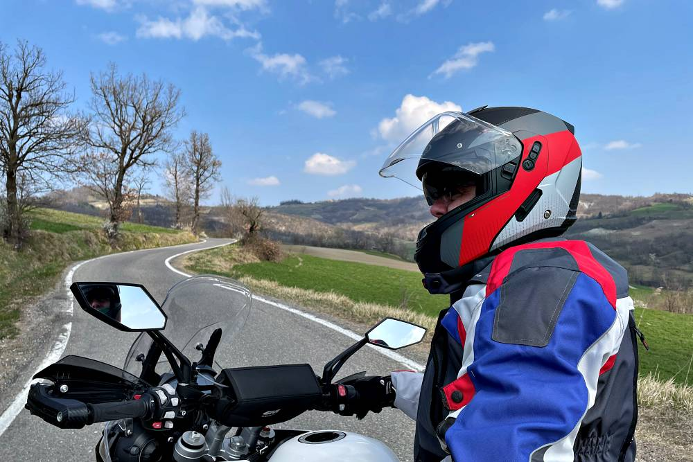 Alta Val Tidone - Il piccolo Stelvio moto itinerario strada percorso caberg horus