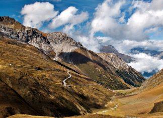 Passo dell'Umbrail o Giogo di Santa Maria moto itinerario bormio stelvio svizzera