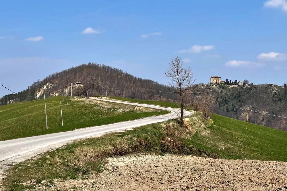 Rocca D'Algisio Alta Val Tidone - Le provinciali tra Pavia e Piacenza