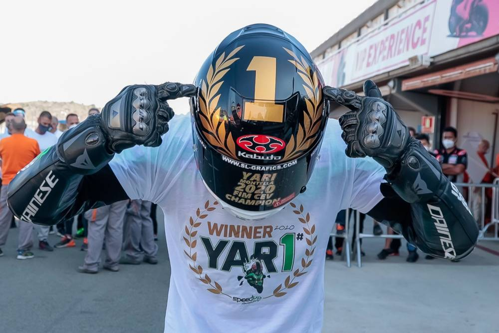 Yari Montella - Kabuto RT-33 caschi moto integrale racing