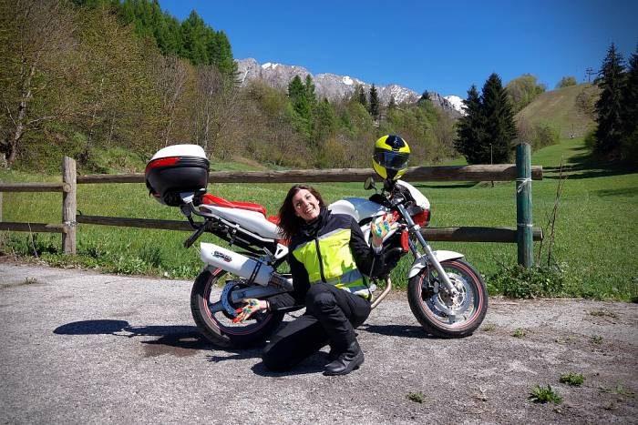 Claudia Pirotti bambini delle fate moto viaggio mani