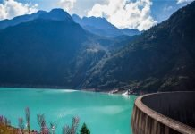 Val D'Aosta in moto bici percorso itinerario Lago e diga di Place Moulin