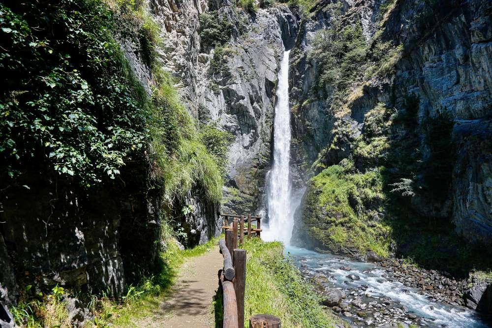 Val D'Aosta in moto bici percorso itinerario Cascata di Isollaz