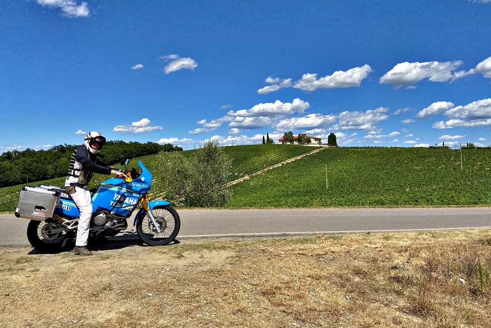 toscana strade lajatico bocelli toscana moto bici itinerario percorso