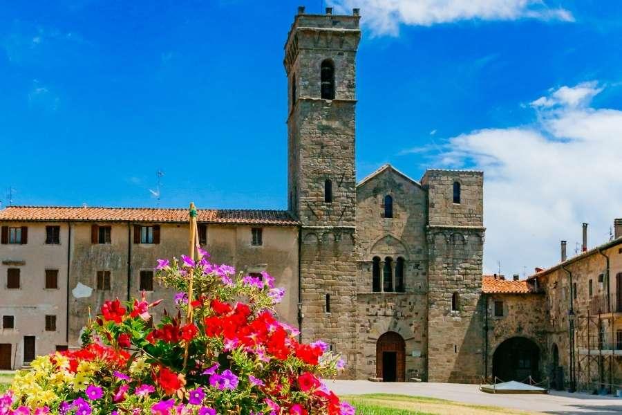 Abbadia San Salvatore - toscana moto bici percorso borghi itinerario