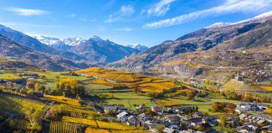 I vigneti della Valle D'Aosta itinerari percorsi moto bici auto degustazione